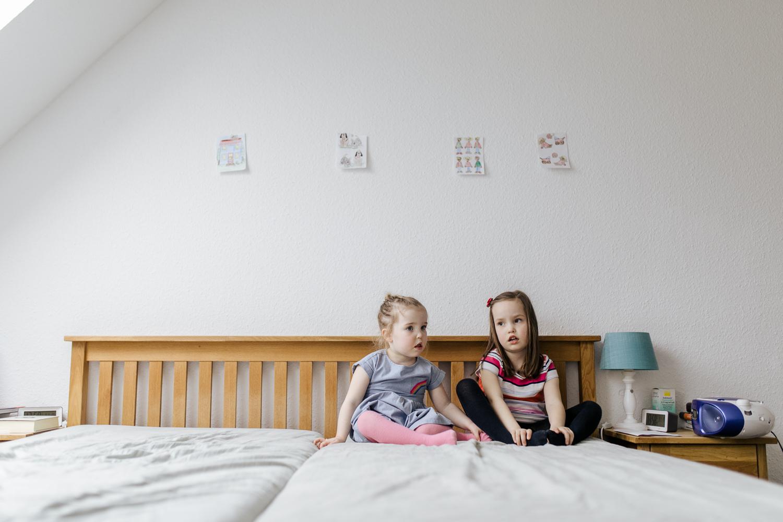 Familienfotos zuhause Homestory Babybauch Familienshooting Berlin Hamburg Potsdam Hannover