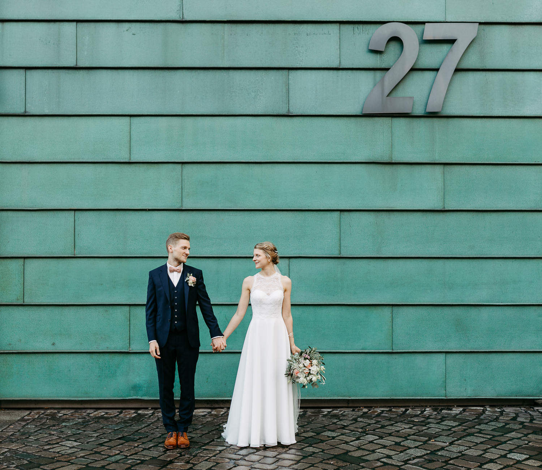 Hochzeitfotos in Hamburg Anna Frey Fotograf Elbe Elbufer Hamburger Hochzeit Hafen