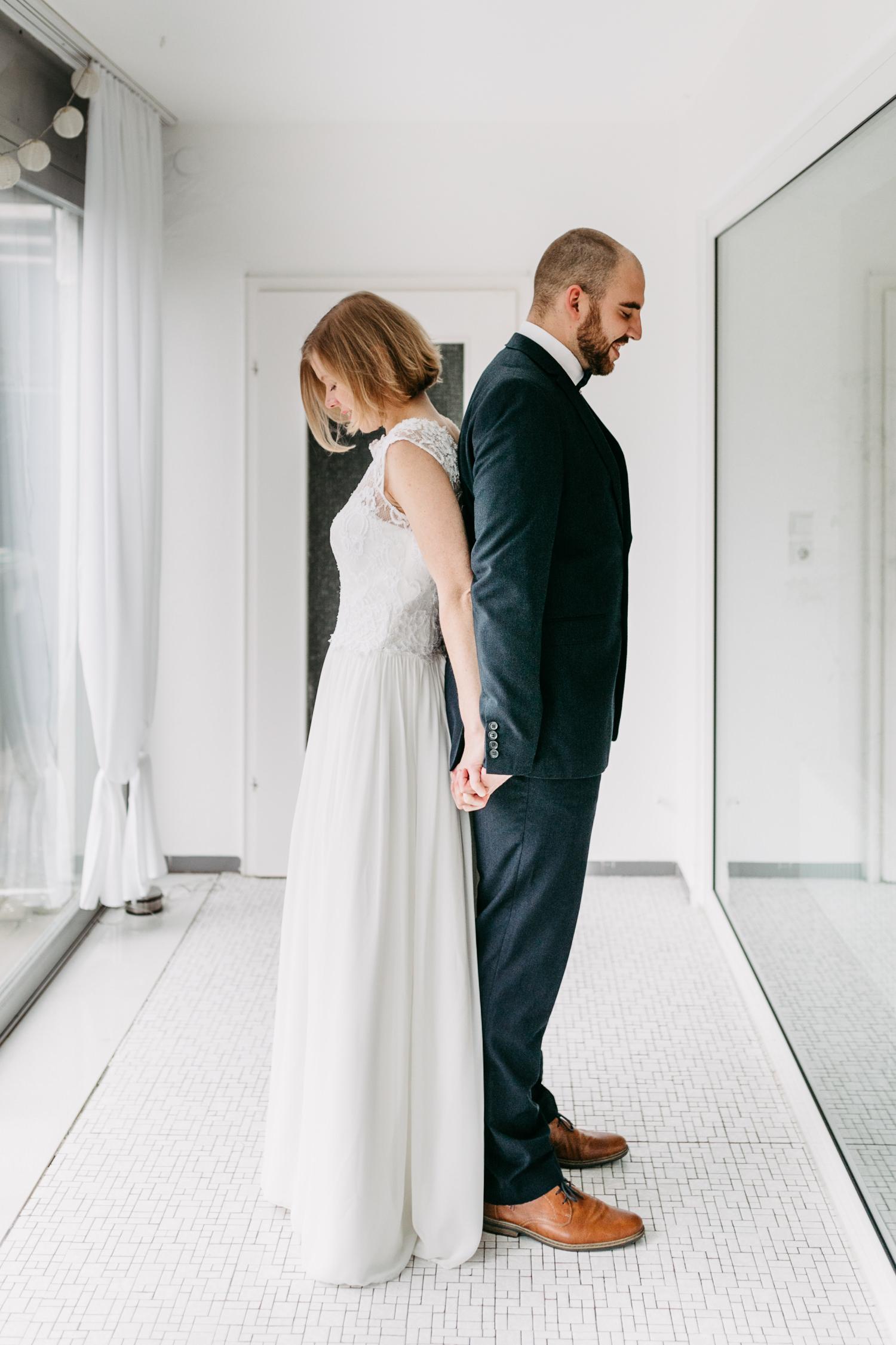 After Wedding Shooting Homestory Wintergarten Corona Wedding Hochzeit Hochzeitsfotograf Lueneburg First Look