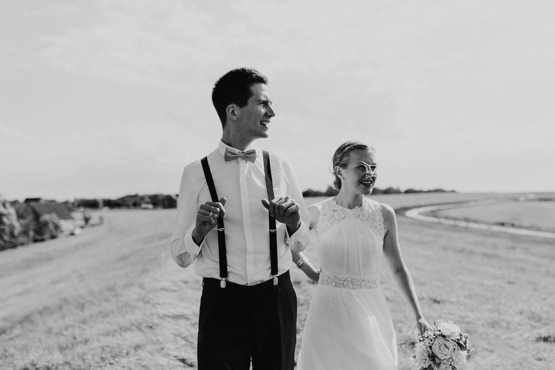 Hochzeitsfotograf Nordseeküste Nordsee Nordseehochzeit Ostseehochzeit Niedersachsen Hochzeitsfotograf Anna Frey Wurster Nordseeküste Hochzeitsreportage Natürliche Hochzeitsfotografie Deich